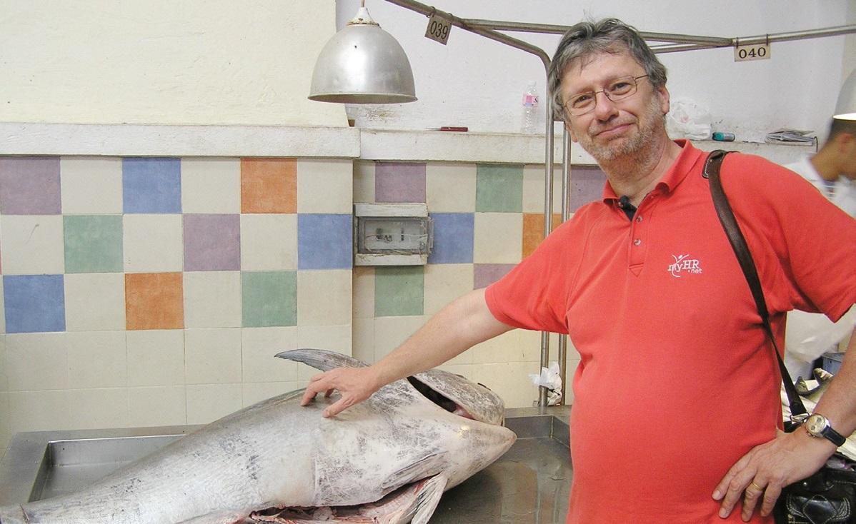 A tuniszi halpiacon